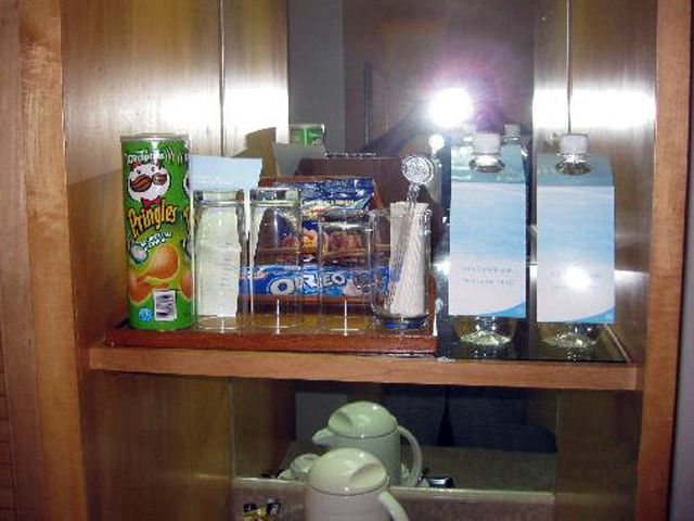 10-coffee-bar-in-your-hotel-room-brunei