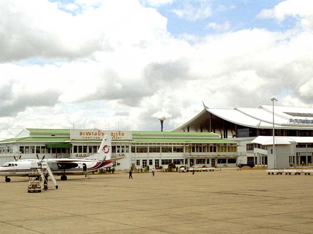 7-vientiane-airport