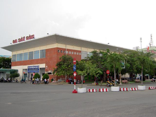ho-chi-minh-railway-station